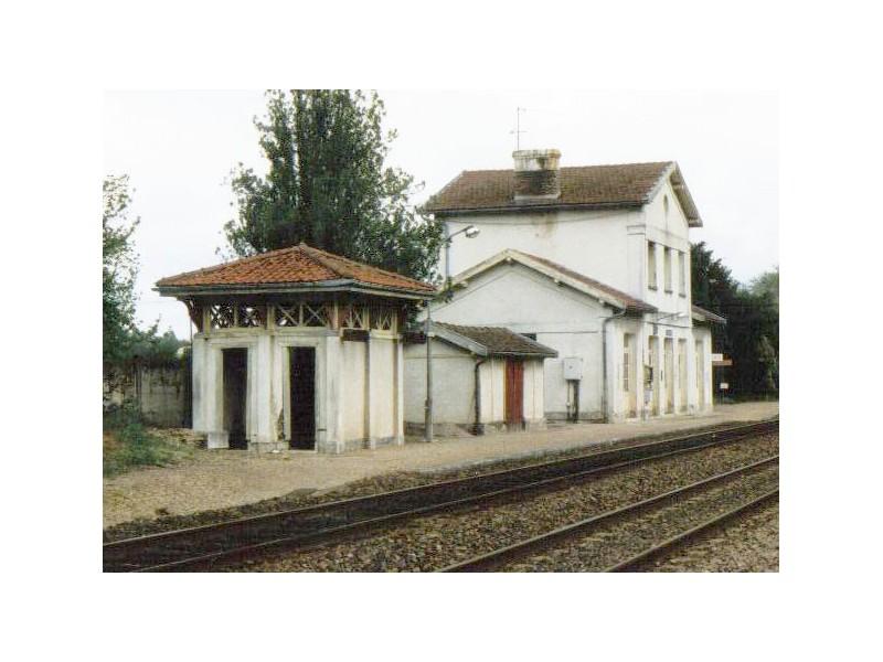 WC gare de Lusigny